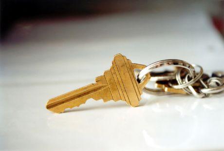 Можно ли продать долю в квартире без согласия второго собственника: образец уведомления
